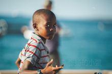 「坦桑尼亚」扫街——桑给巴尔石头城     桑给巴尔的石头城是东非地区斯瓦希里人建造的一座海滨商业城
