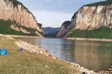 乌江源百里画廊的景色很美,露营的好地方。坐上游船游一圈真的很不错。