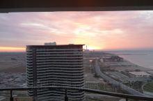 东戴河日出,第一张拍摄的时间是4:55分,第20张为5:03分。