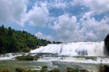 美丽的贵州,从茅台镇出发,一路行来,经过赤水,千户苗寨,黄果树大瀑布,安顺,遵义,直到贵阳,无论是自