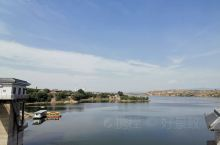 今天是世界旅游日,我们来到曲沃,顺道来到了这里。春秋晋国城风景区,以浍河水库为依托,依山傍水建设而成