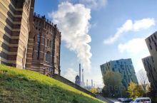 维也纳 煤气罐城 建筑很有特点原煤气罐楼建于1896~1899年之间,当时的社会还并不愿意向公众展示