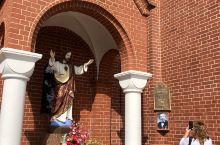 圣徒西蒙和海伦教堂。图三是专门给有罪恶感的人进去倾诉的!而且给谁倾诉的都不知道。我前面跪着一个虔诚信
