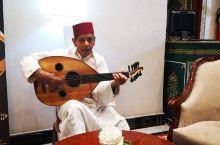 摩洛哥马拉喀什库图比亚清真寺、不眠大广场、下榻酒店。