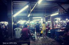 你见过凌晨一点的马尼拉海鲜批发市场吗?相当的热闹,真心的便宜
