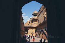 安梅尔堡(琥珀堡)Amber Palace是斋浦尔我最喜欢的地方,1592年由安梅尔城邦王公曼•辛格