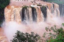 今日主题:湿身之旅  位于巴西边境,接壤阿根廷和巴拉圭的伊瓜苏,因这里有世界最宽的瀑布而闻名于世。伊