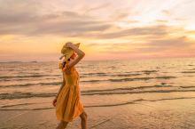 """走啊~带你去仙本那看日落!  被称为""""纯净天堂""""的仙本那,在马来语中意思为""""完美的""""。有人说:你来人"""