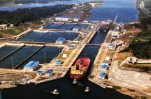 巴拿马运河(英语:Panama Canal;西班牙语:Canal de Panama)位于中美洲国家