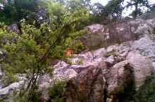 泊山洞有着一段很长且耐人寻味的故事,山洞里面有特别奇妙的景观,在各种灯光的照耀下 ,呈现出一种色彩斑