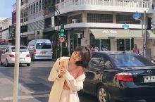 在曼谷,自在是空气,是一种无处不在、与人息息相关的生活美学。一间咖啡馆、一家旅馆、一片市集 、一条巷