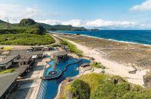 温泉池边上的日出——绿岛朝日温泉  因为在网上定了套餐,里面含了温泉和浮潜,就都试试啦。之所以叫朝日