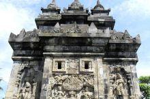 壮丽的佛教圣地,一生一定要来一次  在印度尼西亚的最后一天,我们来到了Pawon寺。因为听说这里有一