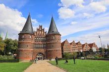 一般人去德国旅行,总热衷于那些比较著名的大城市。譬如作为普鲁士王国起源的柏林、罗马帝国时代就繁荣至今