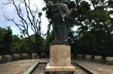 赤湾古炮台  赤湾古炮台是康熙民间为了预防洋人侵犯沿着海岸建的炮台,并且沿途驻扎军队,后来赤湾古炮台