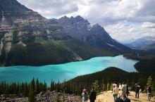颜色多变的湖,五光十色,非常神奇