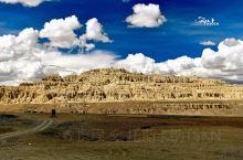 【西藏•阿里古格王朝遗址】10年前,偶然看到了一张夕阳余辉下,泛着金色光茫的古老城池的照片,当时就惊