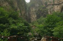 青山绿水,悬崖峭壁之美千年冰洞