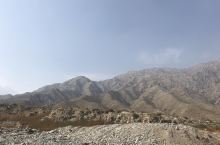贺兰山岩画,探寻古人的遗迹。 读过满江红的人都知道贺兰山,但是不一定知道贺兰山还有岩画。贺兰山岩画位