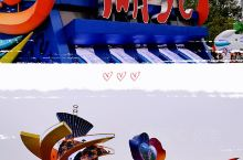 续五【奥林匹克公园展出的彩车】新中国70周年庆典活动上,除了精彩的阅兵,吸引人眼球的还有五彩斑斓的彩