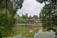 黄姚古镇是在回家路过,临时起意转过来的。古镇历史一千多年了。比较原汁原味,青石板路面都被磨的发亮了,