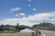 6月份的犬山城 是和老同学一起去名古屋旁边的犬山城游玩拍的,第一张是下了地铁后拍的犬山大桥,六月份的