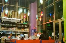 这家餐馆位于IBIS一层的意大利餐厅,但是这里经过了墨西哥口味的改良,增加了许多墨西哥的香料,使得它