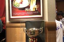去过很多日本城市,都没有吃到一兰拉面,不是排队就是排队!今天终于有机会经过较少时间的等待就吃到了梦寐