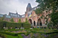 八月的阿姆斯特丹充满了艺术气息,初来乍到一日游,打卡知名地标荷兰国立博物馆(Rijksmuseum)