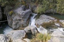 乌龙峡谷的潺潺流水