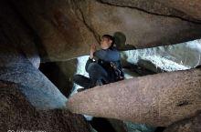 鸟子石风景区,位于梅州市大埔县光德镇上漳村境内,海波一千多米,因其山顶一形如大鸟踩于山顶作巡视状的大