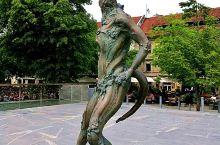 """卢布尔雅纳,一个陌生的首都  卢布尔雅纳,一个陌生的首都、陌生的城市。 城市不大,""""翼龙""""是他们的"""
