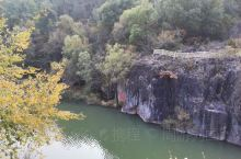 北京延庆乌龙峡谷景区——原名黑龙潭,是京津冀旅游年票景点。峡谷两侧绝壁陡直、怪石林立,水声轰鸣,浪花