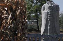 唐端陵位于陕西三原县徐木乡桃沟村,是唐武宗李炎的陵墓,现为全国重点文物保护单位。 我们离开献陵后,一