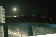 海上升明月,天涯若比邻