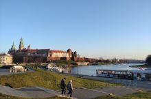瓦维尔城堡位于波兰克拉科夫老城西南部,在维斯瓦河畔的小山上,原来是波兰王世的住所,现已成为波兰最顶级