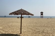 阳江南海一号海上丝绸之路博物馆门前的沙滩,也叫十里银滩。沙子很细,质量很好,唯一就是要收费。冬天是不
