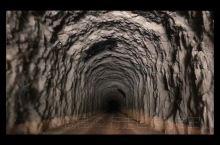 首次公开的一组图片 这是去往可可托海地下水电站的一组记忆 也是非常值得分享的一组图片 这些内容记录了
