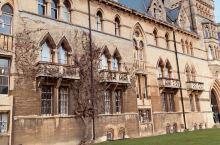 到英国打卡的第一个景点-牛津大学,感受一下哈利波特取景地基督教会学院的食堂