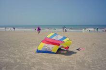 银滩是北海主要旅游点,历来以优美海滩闻名。1992年10月4日,经国务院批准建立的国家级旅游度假区。