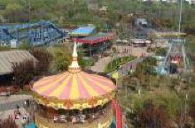 占地面积约10.67万平方米,呈脚板形,故取名大脚板乐园,寓意少年儿童一步一个脚印,脚踏实地的快乐成