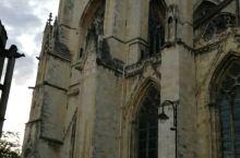 真的是一座有历史沧桑感的大教堂