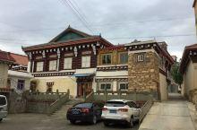 甘孜~灵雀寺~道孚民居 道孚县隶属甘孜州,旅游资源极为丰富,原始程度高,是青藏高原上的一片净土。 驱