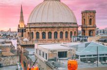 欧洲小众国家,比马代美比瑞士小众——马耳他  马耳他被《孤独星球》评选为世界排名第五的旅游地,是《权
