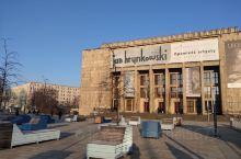 波兰 克拉科夫 国家博物馆,相当于波兰国家博物馆 克拉科夫分馆吧,主馆在华沙。相当有年代感。建筑外形