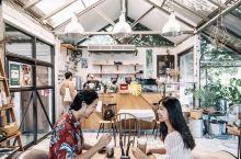 清迈透明房里的奇妙咖啡馆,让人安静下来  我在ins上搜清迈的咖啡馆一出来就是这家——the bar