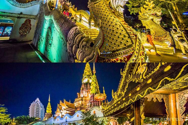 Jinghong Golden Pagoda4