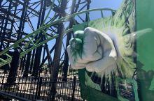 黄金海岸主题乐园最佳木有之一!华纳电影梦幻世界。奋力打call理由如下: 海洋乐园水乐园啥啥,貌似跟