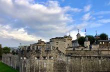 """外观古老的伦敦塔  位于泰晤士河北岸的""""伦敦塔(Tower of London)""""是英国伦敦的一座标"""