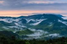 唐诗小镇,石梁飞瀑,霞客古道,双溪茶园,高山美食……你能想到的天台山都有!接下来这几条观赏路线,千万